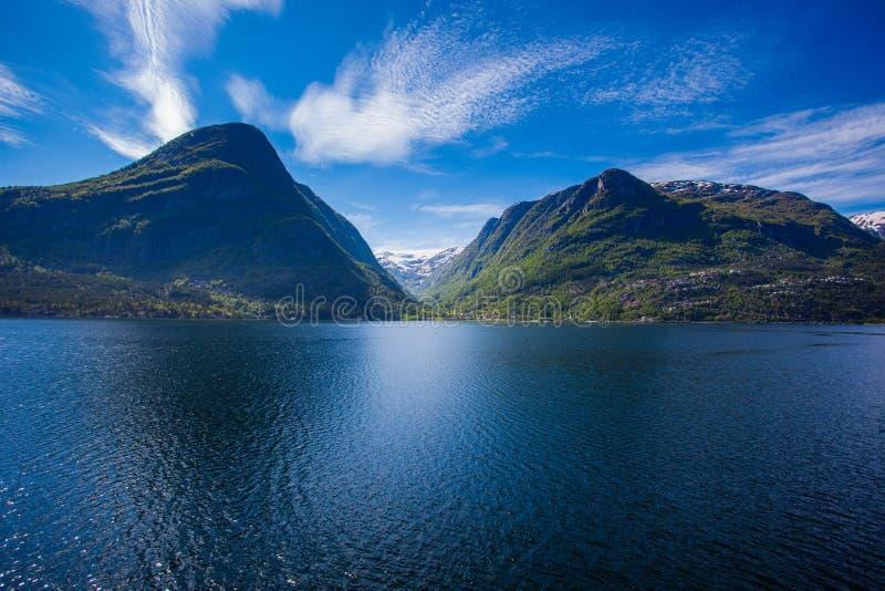 Paysage norvégien occidental de fjord photographie stock libre de droits