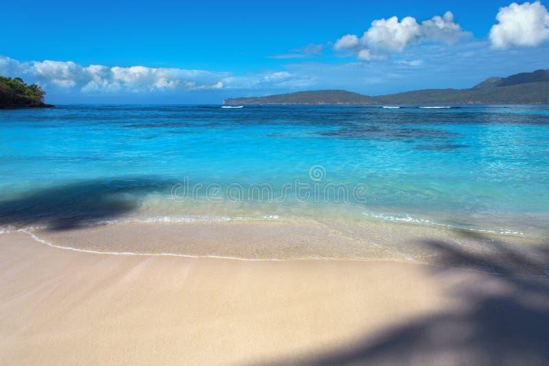 Paysage ou paysage marin des Caraïbes Plage parfaite avec la mer bleue photos libres de droits