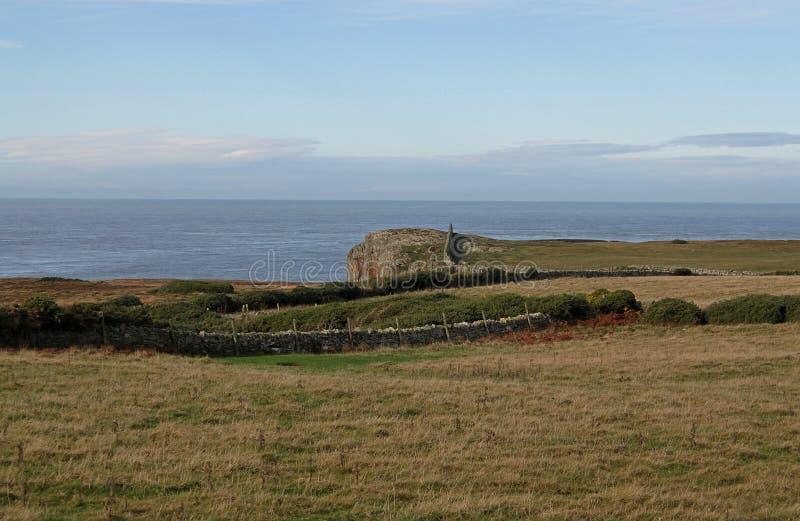 Paysage près de Rhoscolyn, Anglesey, Pays de Galles image libre de droits