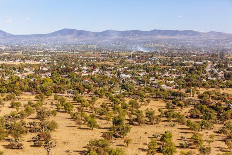 Paysage près des ruines de Teotihuacan au Mexique photographie stock libre de droits