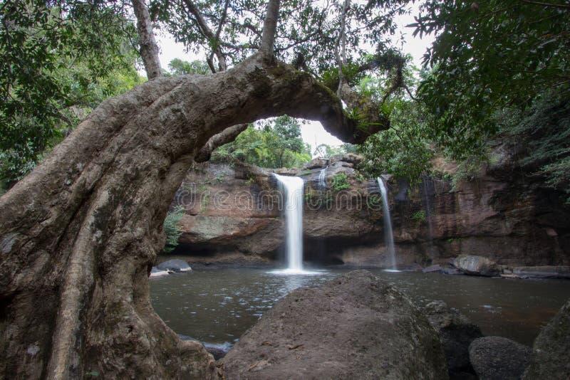 Paysage renversant de cascade de Haew Suwat, parc national de Khao Yai, province de Nakhon Ratchasima, Thaïlande photo libre de droits