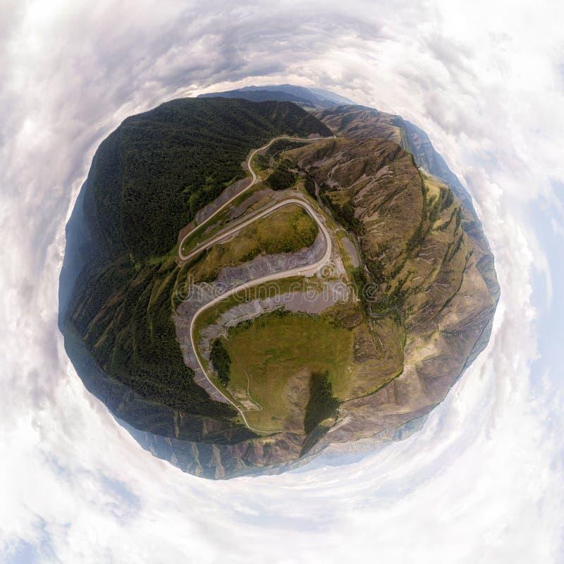 paysage renversant de hautes montagnes images libres de droits