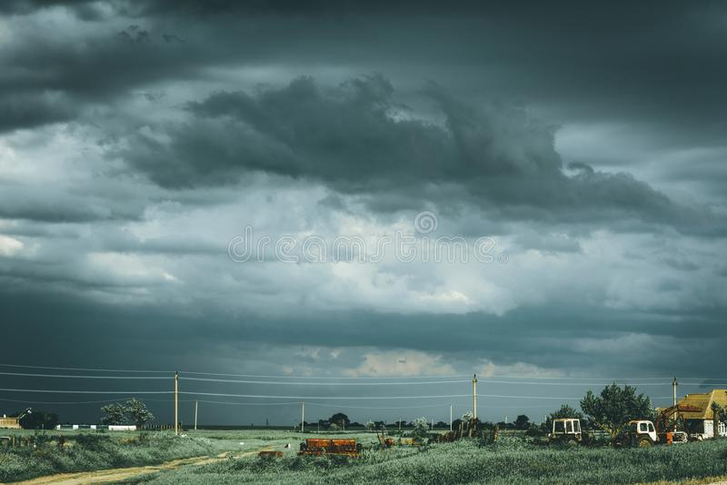 Paysage rural assourdissant sombre image libre de droits