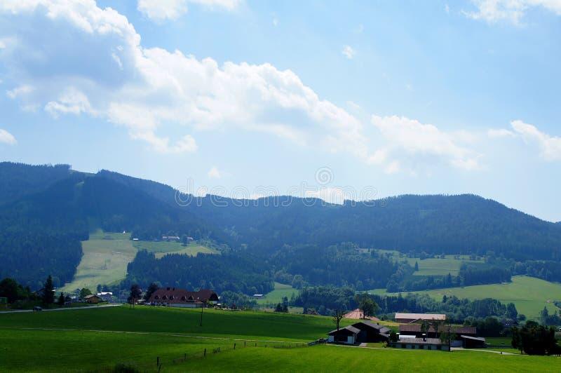 Paysage rural d'été autrichien collines image libre de droits