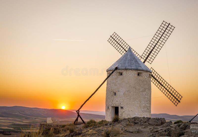 Paysage rural du moulin de vent photo libre de droits