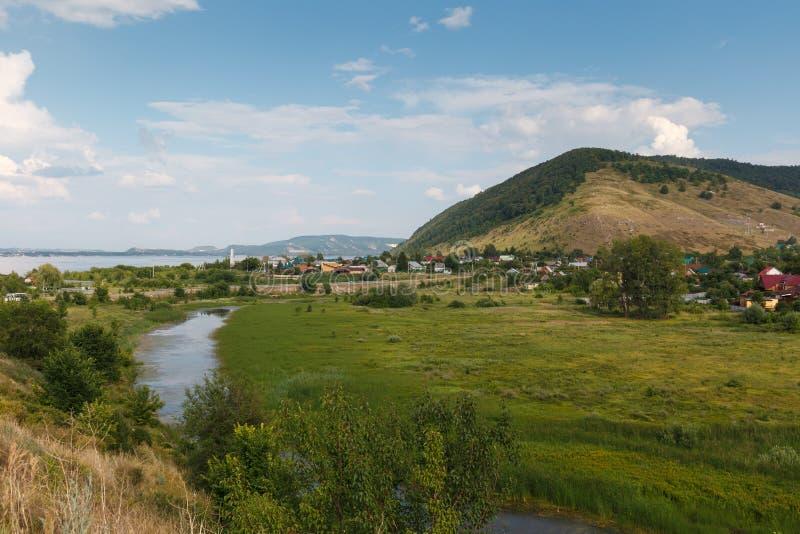Paysage rural sur les montagnes photos libres de droits