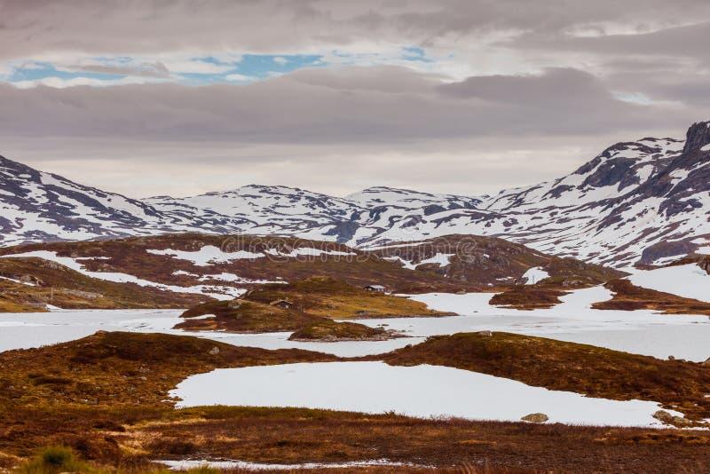 Paysage scénique de montagne de la Norvège photos stock