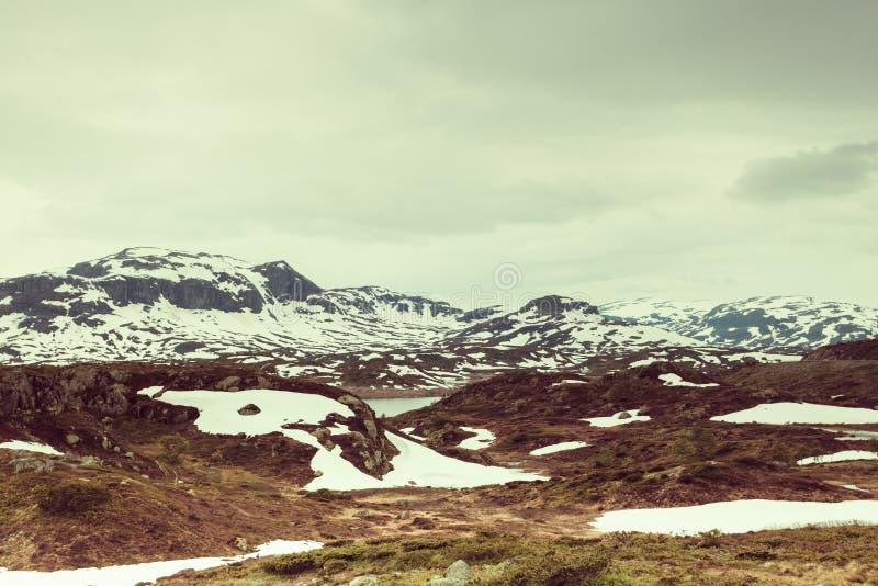 Paysage scénique de montagne de la Norvège images stock