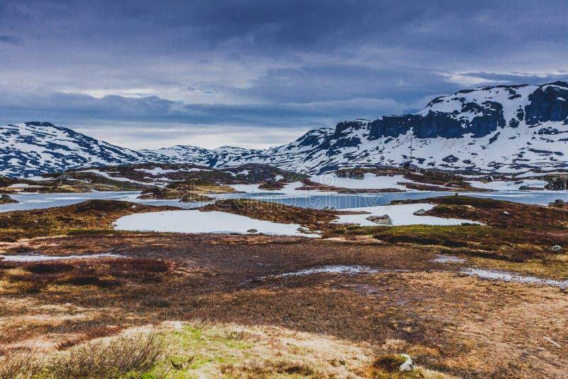 Paysage scénique de montagne de la Norvège images libres de droits