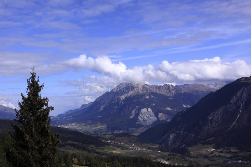 Paysage suisse d'Alpes photographie stock libre de droits
