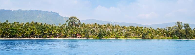 Paysage thaïlandais exotique La Thaïlande, île de Samui Vue de mer, d'océan et de jungle Concept de vacances, de déplacement et d photo libre de droits