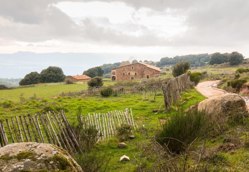 Paysage traditionnel antique de Farmershouse de catalan photo stock