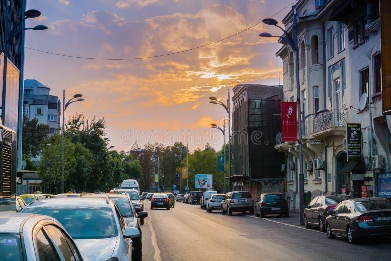 Paysage urbain avant coucher du soleil, Bucarest photographie stock libre de droits