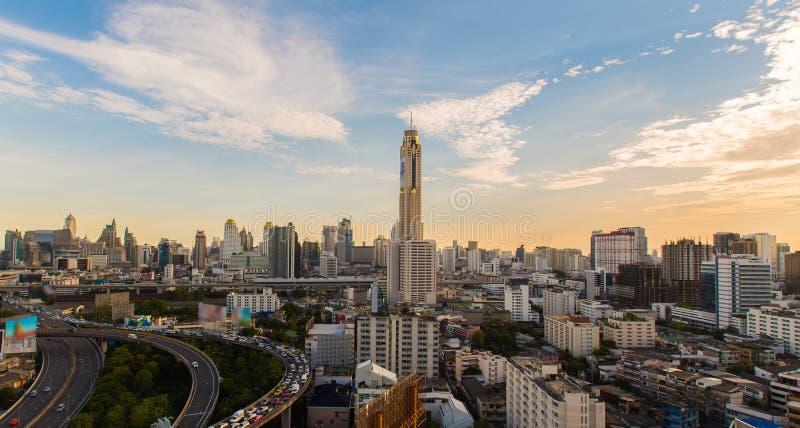 Paysage urbain avec la tour de Baiyok à Bangkok Thaïlande photos libres de droits
