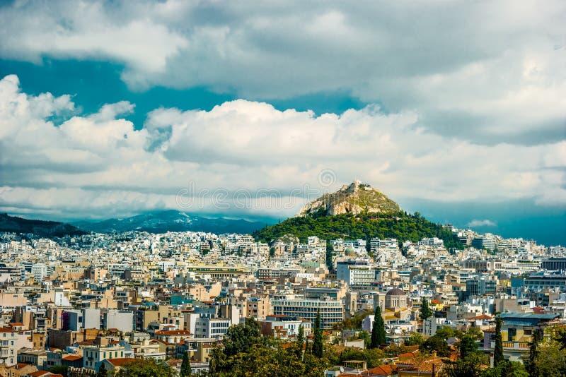Paysage urbain d'Athènes et de colline de Lycabettus photo libre de droits
