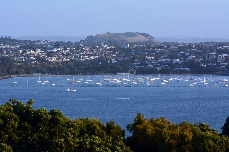 Paysage urbain d'Auckland - baie de mission image stock