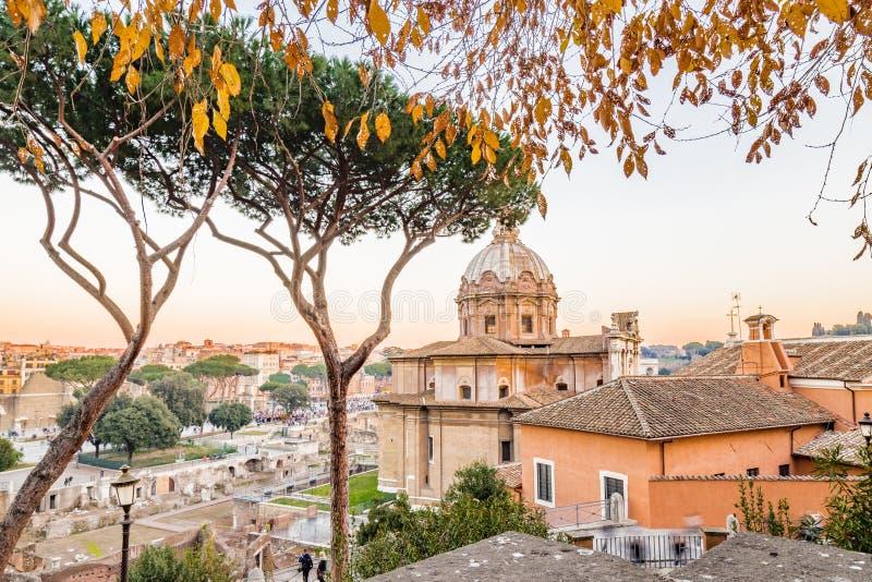 paysage urbain d'hiver de Rome photos stock