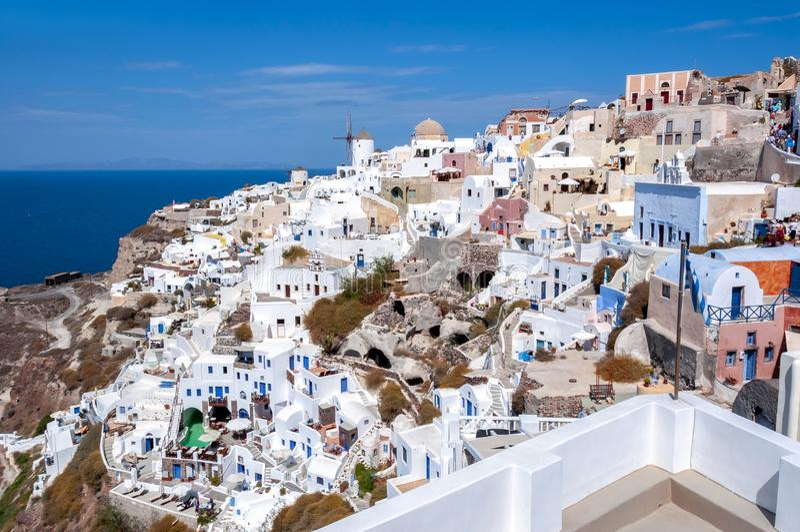 Paysage urbain d'Oia, île de Santorini, Grèce photos stock