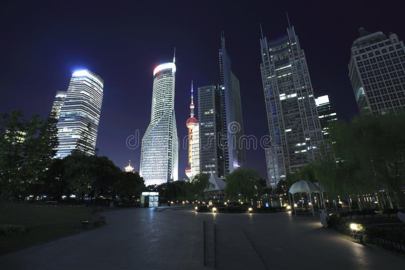 Paysage urbain de bâtiments de point de repère de finances et de ville de Changhaï Lujiazui image libre de droits