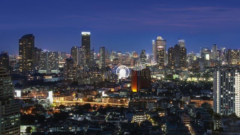Paysage urbain de Bangkok au crépuscule photos libres de droits