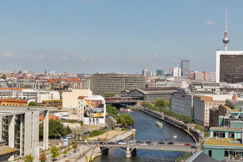 Paysage urbain de Berlin de toit de Reichstag, Allemagne images libres de droits