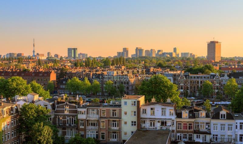 Paysage urbain de coucher du soleil d'Amsterdam photographie stock