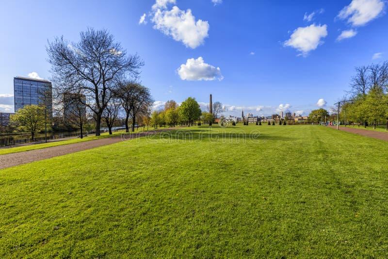 Paysage urbain de Glasgow, vue du parc images libres de droits