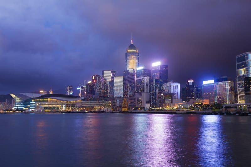 Download Paysage Urbain De Hong Kong Au Crépuscule Image stock - Image du célèbre, coloré: 56477785