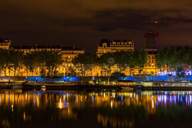 Paysage urbain de Lyon, France la nuit photo stock