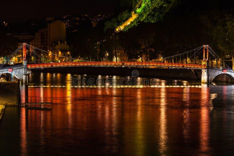 Paysage urbain de Lyon, France la nuit photo libre de droits