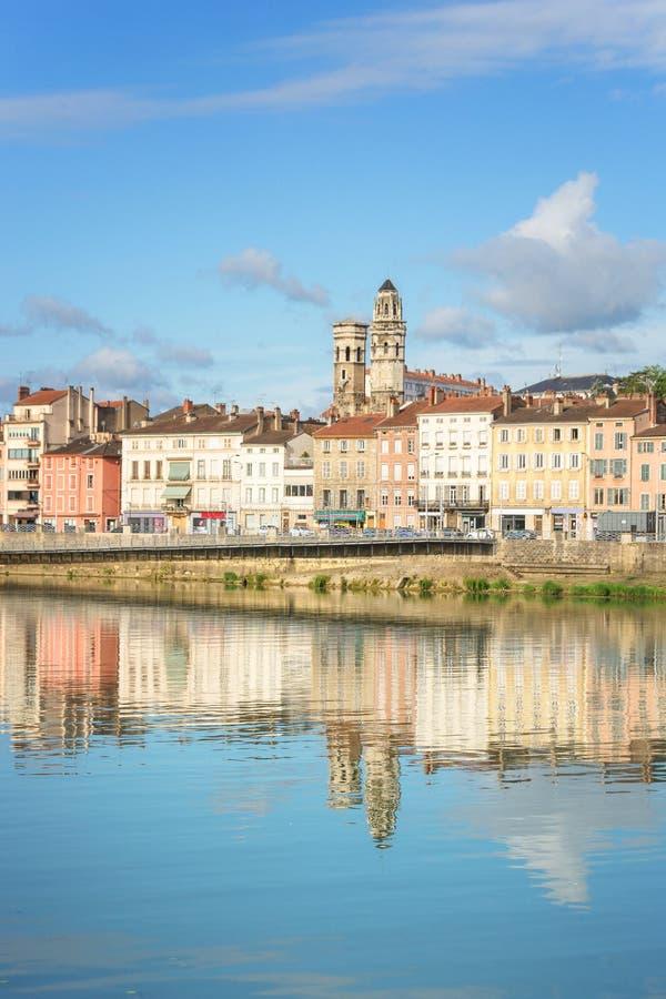 Paysage urbain de Macon, France images libres de droits