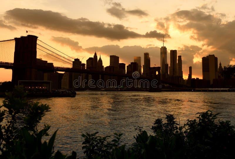Paysage urbain de New York au coucher du soleil New York City, secteur financier photographie stock