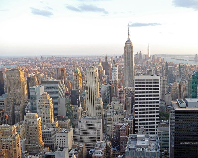 Paysage urbain de New York d'un gratte-ciel photographie stock libre de droits
