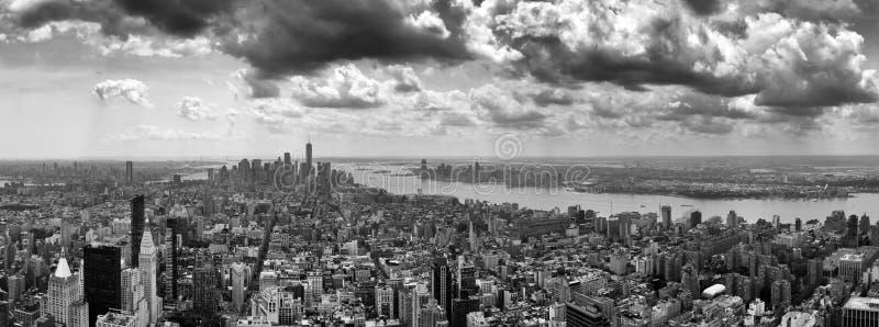 Paysage urbain de New York Panorama de New York City Manhattan avec le dramat photos libres de droits