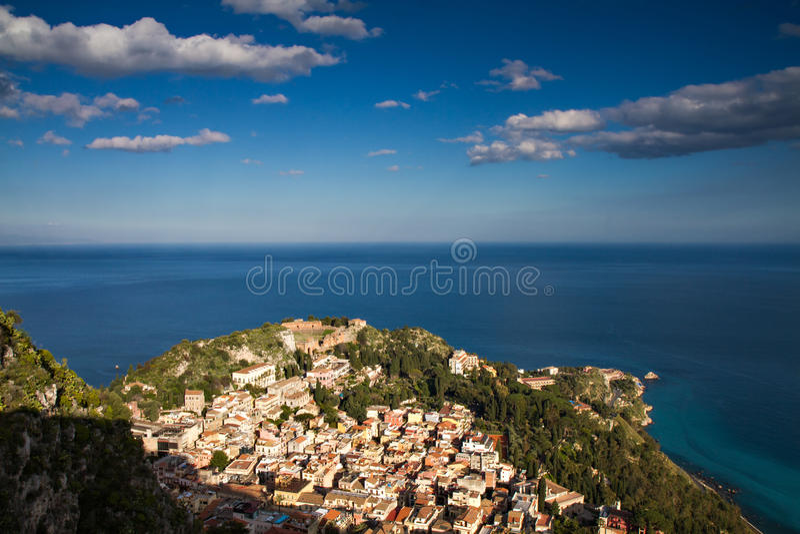 Paysage urbain de Taormina photographie stock libre de droits