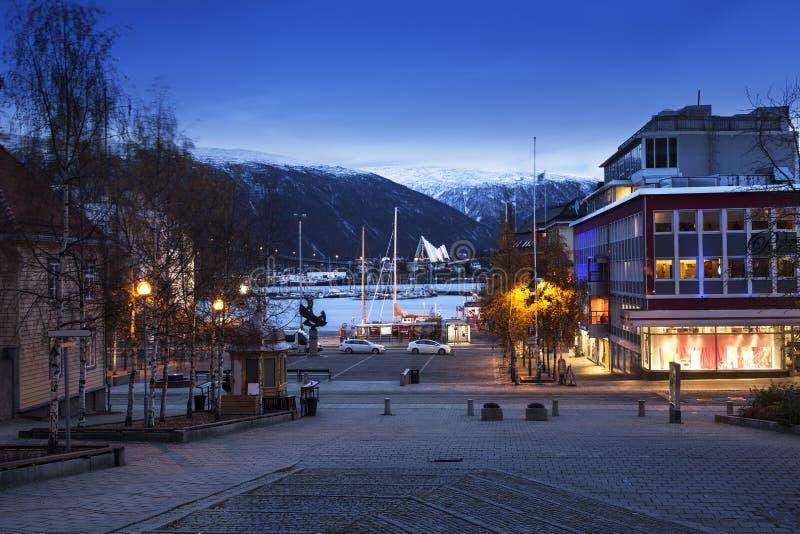 Paysage urbain de Tromso en Norvège du nord photos libres de droits