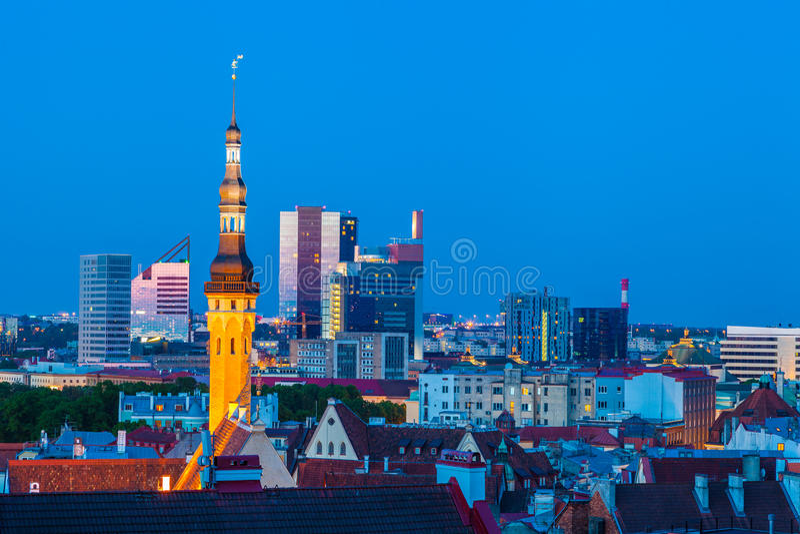 Paysage urbain de vieux Tallinn photo stock