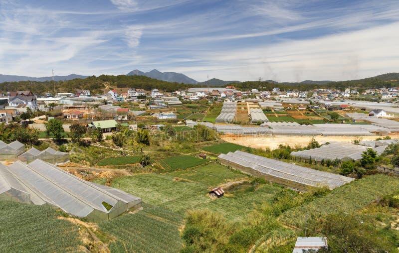 Paysage urbain de ville de Lat du DA en été au Vietnam photos libres de droits