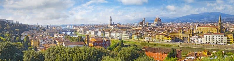 Paysage urbain de vue aérienne de Florence Vue de panorama de grand dos de stationnement de Michaël Angelo photographie stock libre de droits