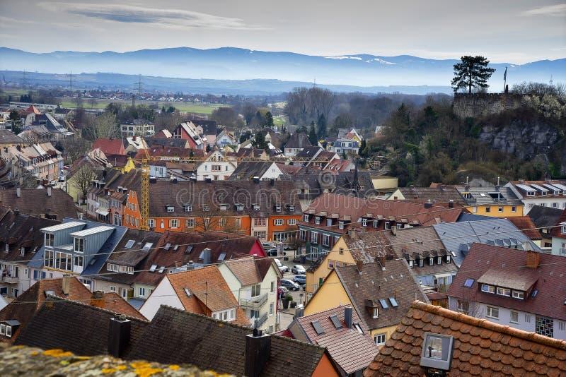 Paysage urbain des toits de Breisach AM Rhein Schwarzwald Allemagne photos libres de droits