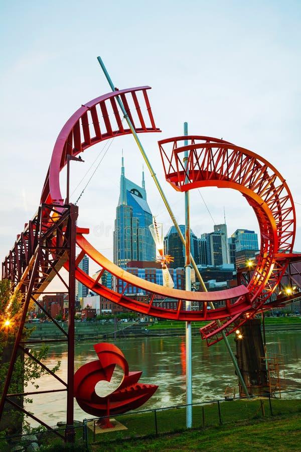 Paysage urbain du centre de Nashville le soir images stock