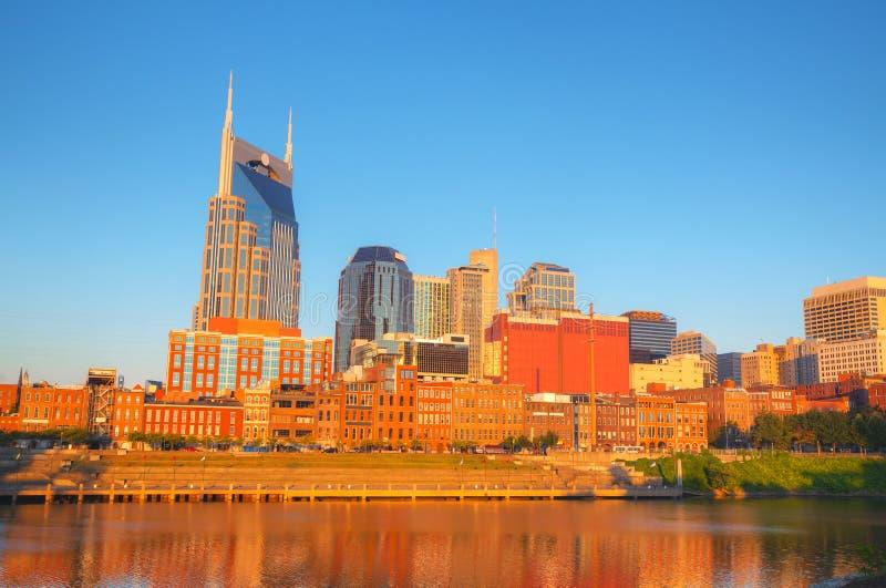 Paysage urbain du centre de Nashville pendant le matin images stock