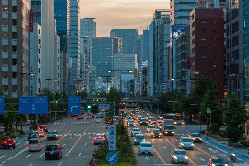 Paysage urbain et gratte-ciel au crépuscule à Nagoya, Japon images libres de droits