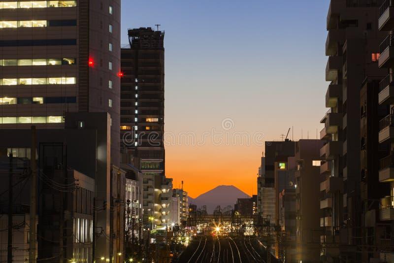 Paysage urbain et montagne Fuji de Tokyo photos stock