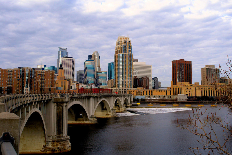 Paysage urbain urbain de Minneapolis photos libres de droits