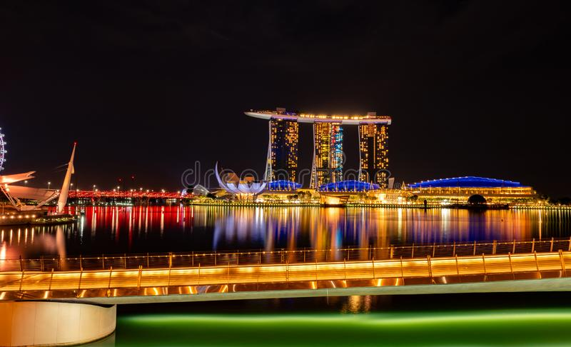 Paysage urbain ville moderne et financi?re de Singapour en Asie Point de rep?re de baie de marina de Singapour Paysage de nuit du photos stock