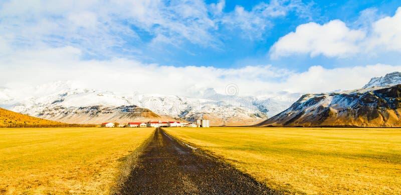 Paysage vers le vulcano d'Eyjafjalla en Islande images libres de droits