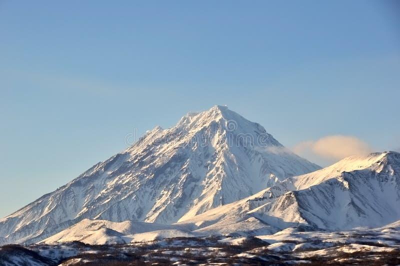 Download Paysage Volcanique De Bel Hiver Photo stock - Image du caldeira, nuage: 87707852
