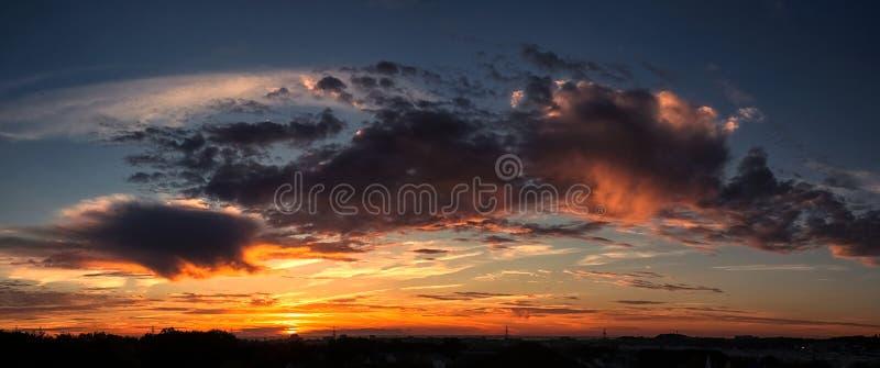 Paysages avec les nuages stupéfiants photo libre de droits