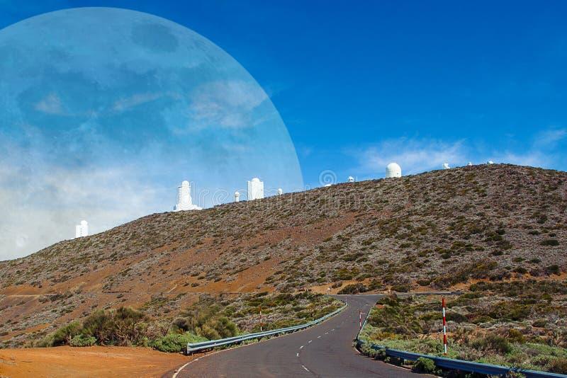 Paysages de T?n?rife Télescope astronomique d'observatoire avec la planète photo libre de droits